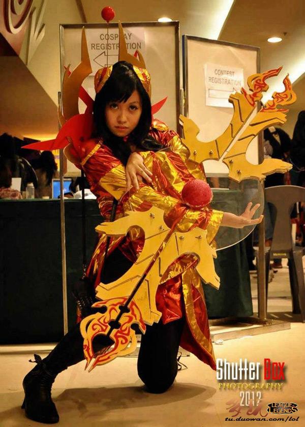 Nữ chiến binh gợi cảm của Liên Minh Huyền Thoại - Ảnh 7
