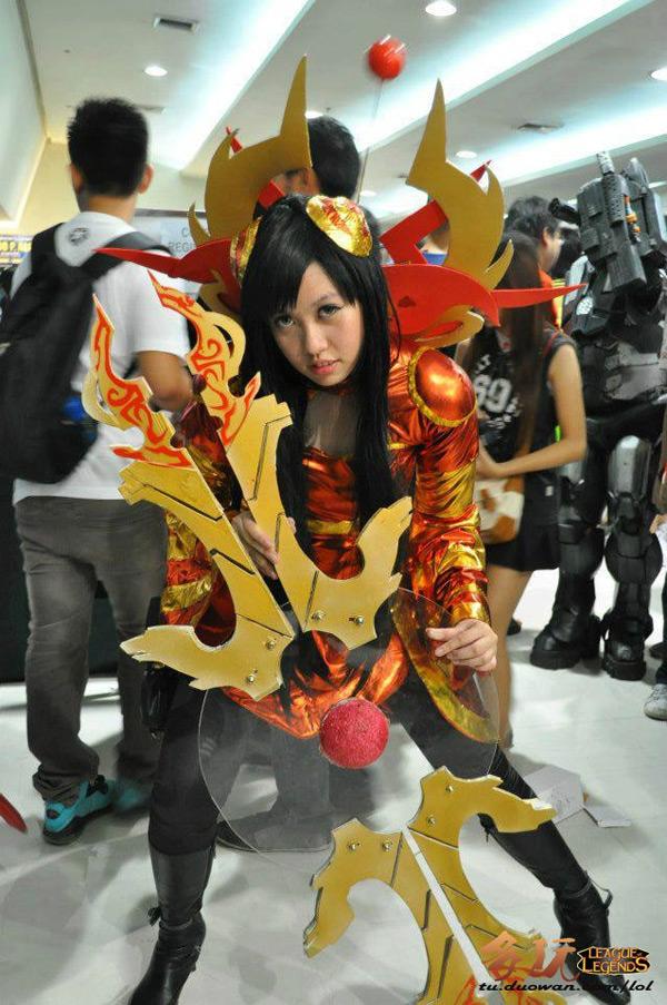 Nữ chiến binh gợi cảm của Liên Minh Huyền Thoại - Ảnh 8