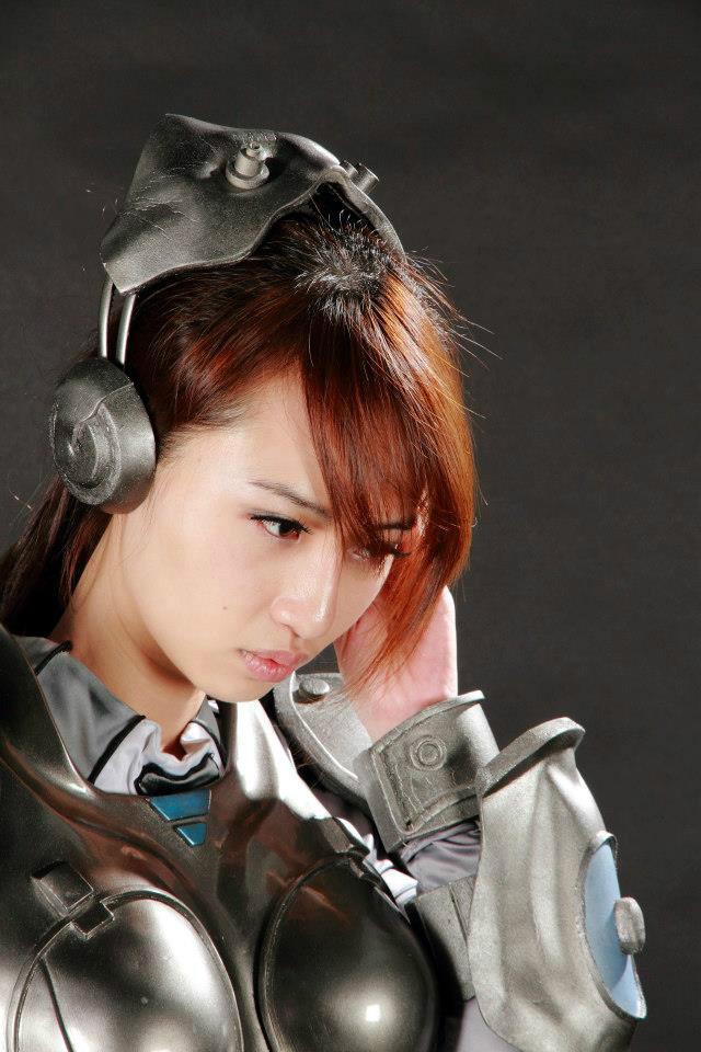 Nữ chiến binh gợi cảm của StarCraft II - Ảnh 7