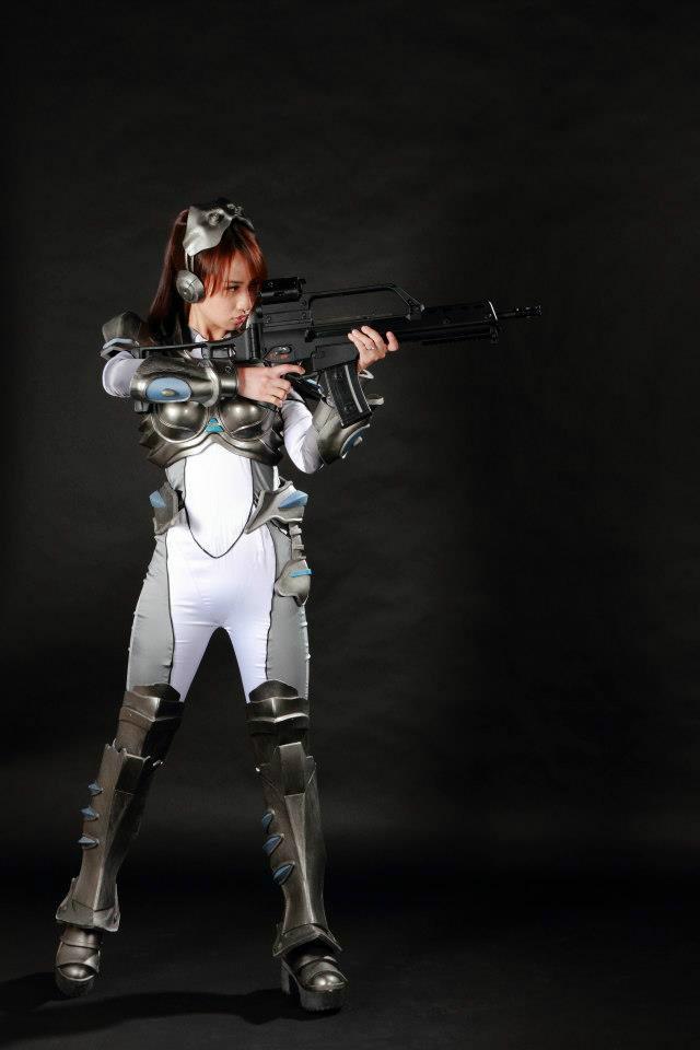Nữ chiến binh gợi cảm của StarCraft II - Ảnh 9