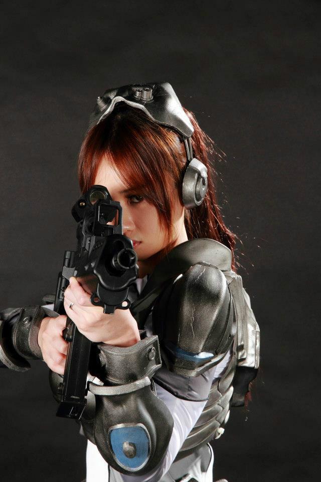 Nữ chiến binh gợi cảm của StarCraft II - Ảnh 10