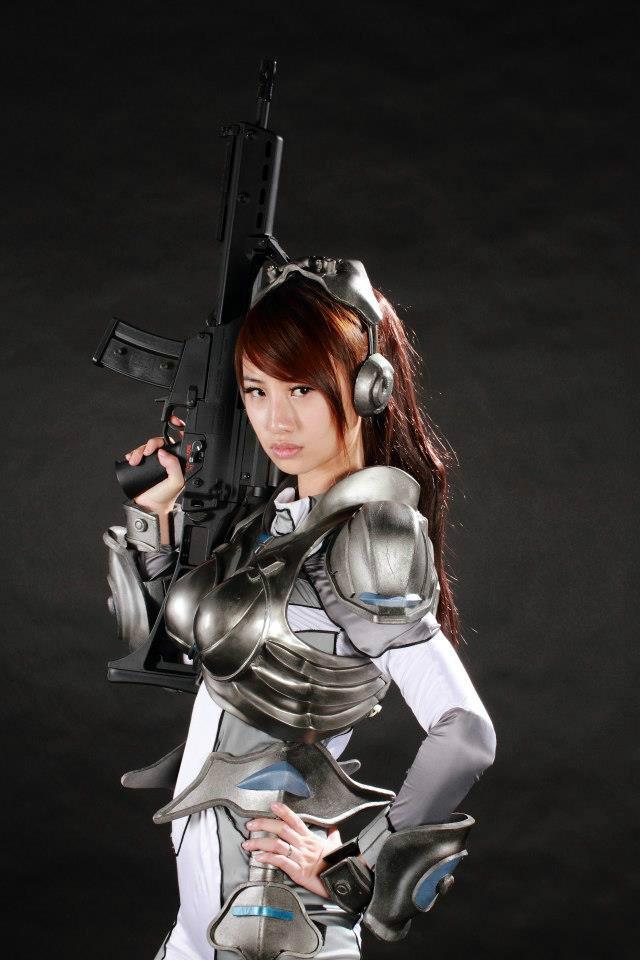 Nữ chiến binh gợi cảm của StarCraft II - Ảnh 12