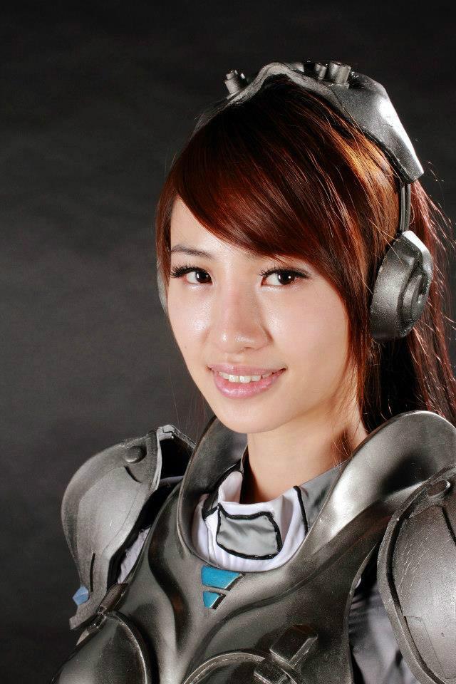 Nữ chiến binh gợi cảm của StarCraft II - Ảnh 14