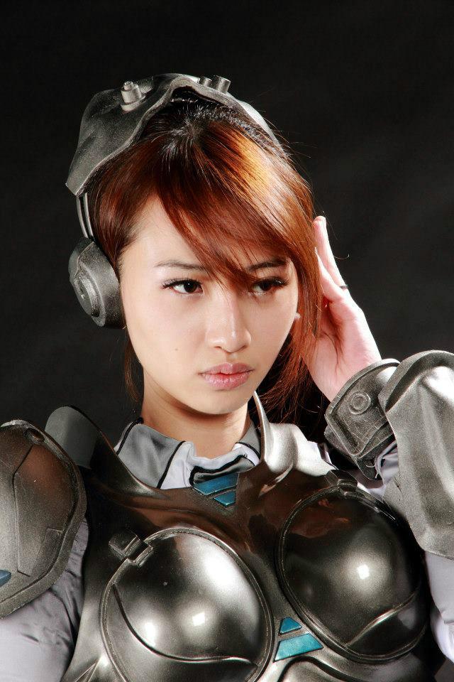 Nữ chiến binh gợi cảm của StarCraft II - Ảnh 19
