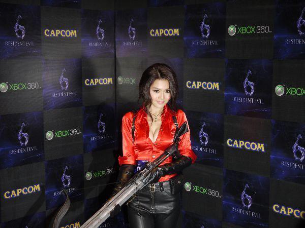 Nàng Ada Wong gợi cảm trong lễ ra mắt Resident Evil 6 - Ảnh 1