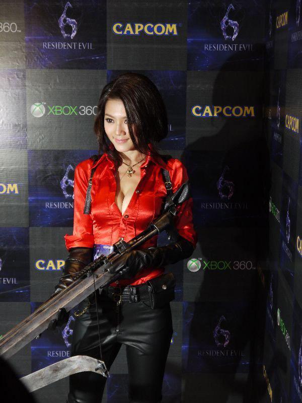 Nàng Ada Wong gợi cảm trong lễ ra mắt Resident Evil 6 - Ảnh 2