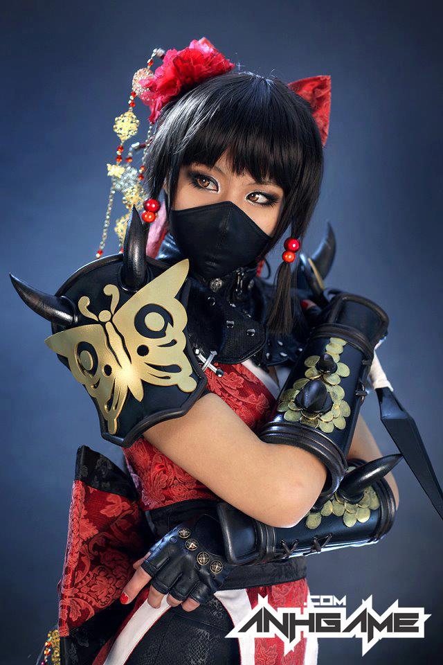 Cô nàng sexy Hotaru xuất hiện ngoài đời thực