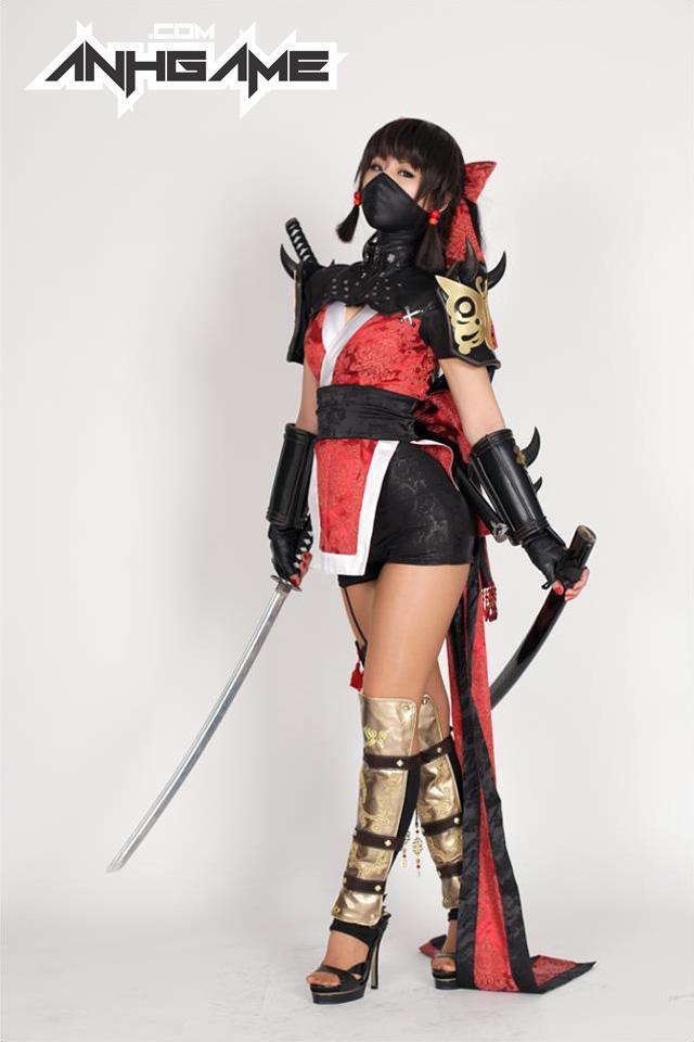 Cô nàng sexy Hotaru xuất hiện ngoài đời thực - Ảnh 8