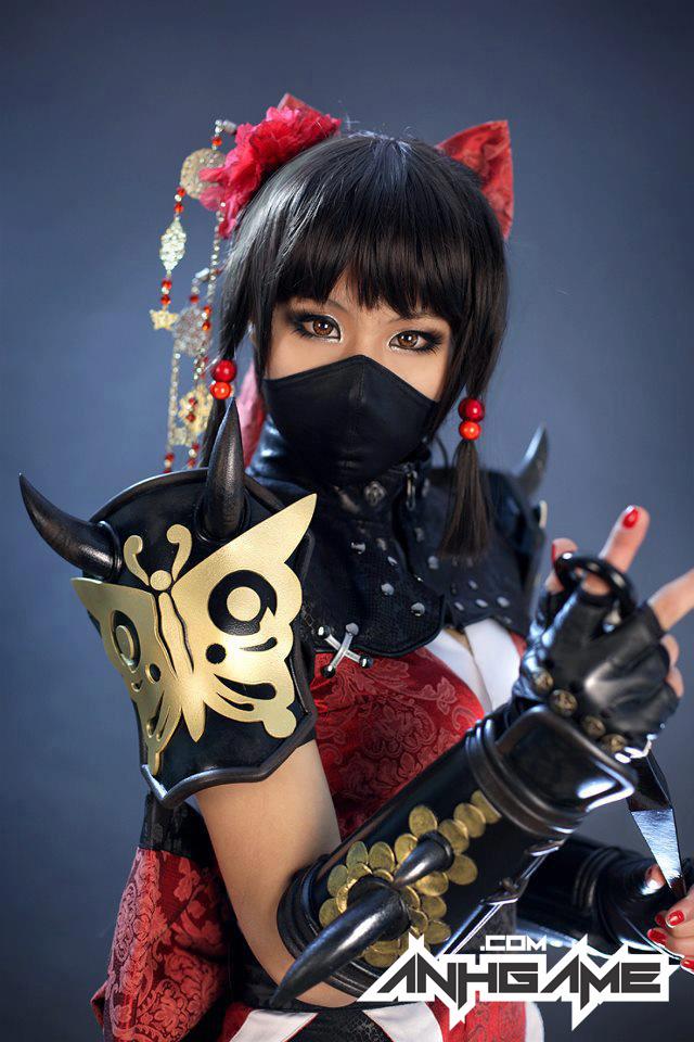 Cô nàng sexy Hotaru xuất hiện ngoài đời thực - Ảnh 9