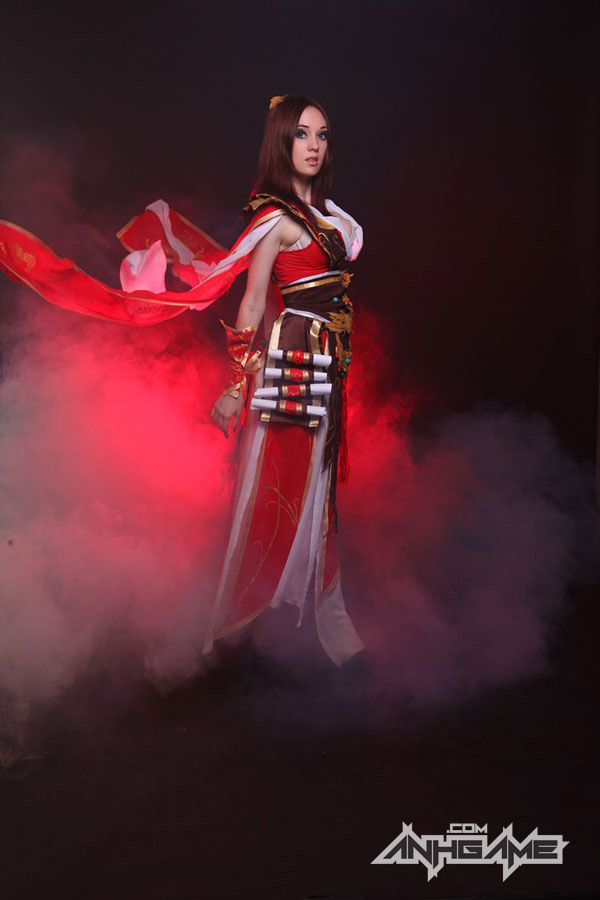 Smirka huyền bí với cosplay Wizard trong Diablo III - Ảnh 3