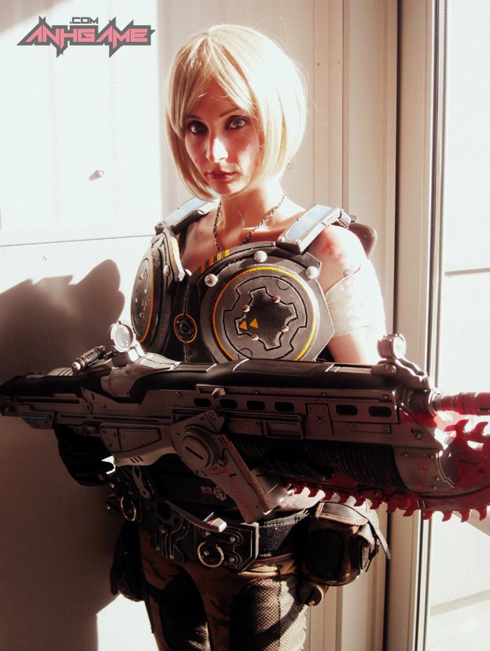 Cosplay hoành tráng của Anya Stroud (Gears of War) - Ảnh 2