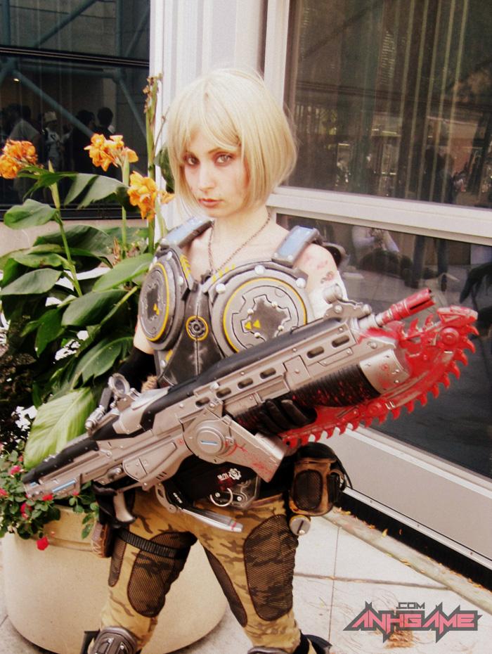 Cosplay hoành tráng của Anya Stroud (Gears of War) - Ảnh 4