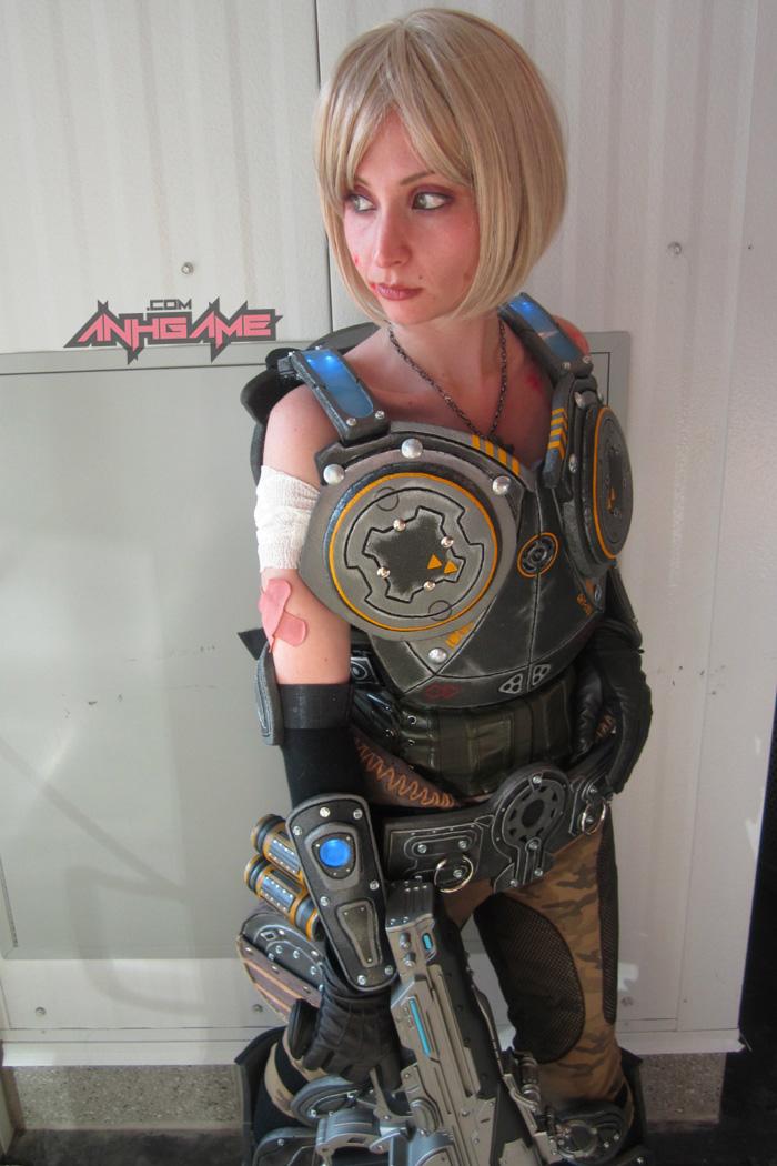 Cosplay hoành tráng của Anya Stroud (Gears of War) - Ảnh 9