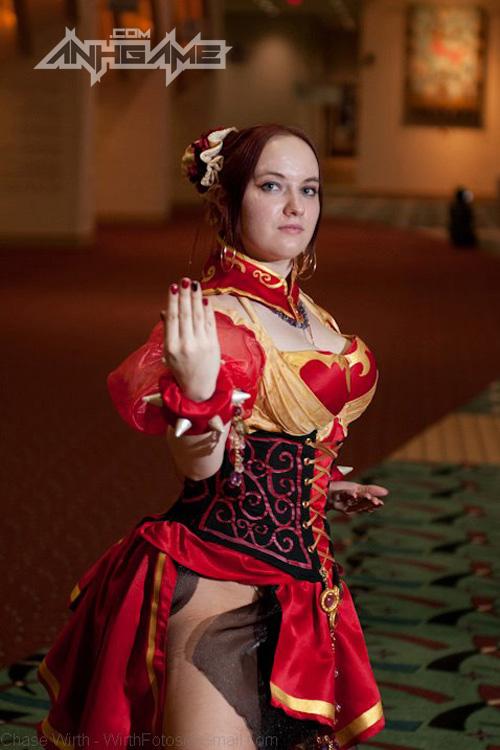 """Ngắm nữ võ sĩ Chun Li """"ngực bự"""" của Street Fighter - Ảnh 15"""