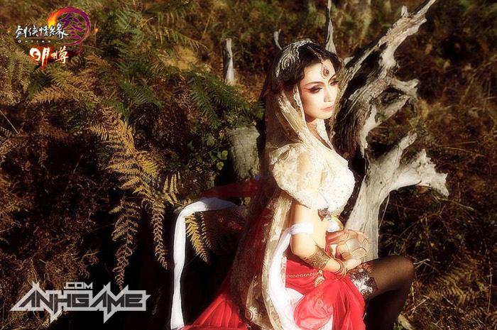 Thiếu nữ Minh Giáo gợi cảm với cosplay VLTK III - Ảnh 1