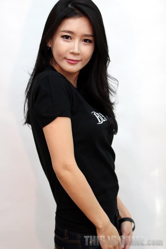 Gstar 2012: Những showgirl xinh đẹp của Bless - Ảnh 3