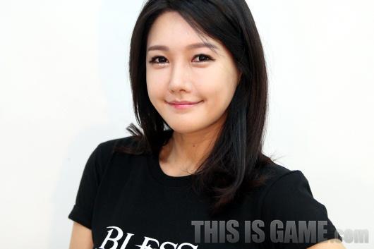 Gstar 2012: Những showgirl xinh đẹp của Bless - Ảnh 11