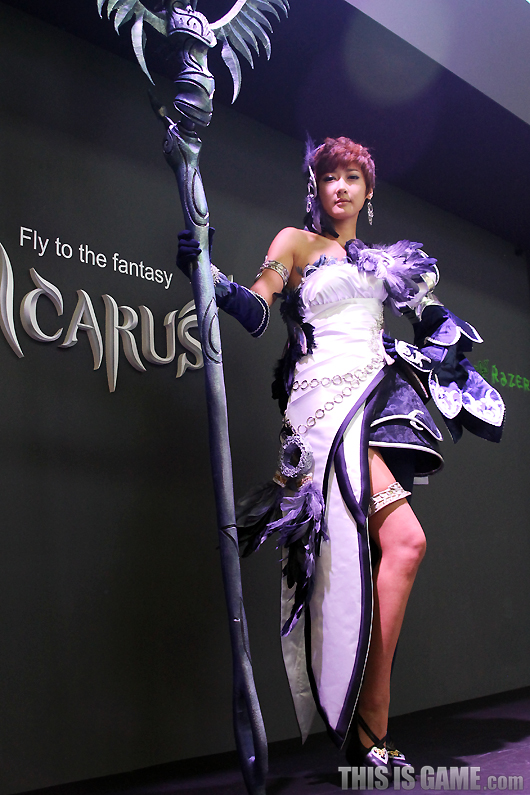Gstar 2012: Cosplay Icarus - Ảnh 2